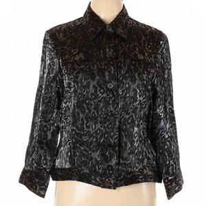 NWOT Ruby RD Black & Silver Patterned Top